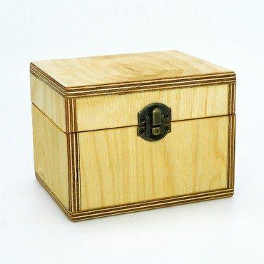 Medinė dėžutė eteriniams...